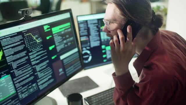 screen data phone call - scrutiny stock videos & royalty-free footage