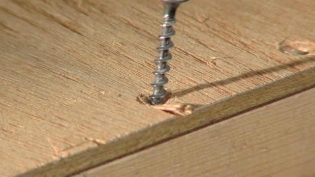 screwdrivingscrewdriving hd 720 p 30 - ドリル点の映像素材/bロール