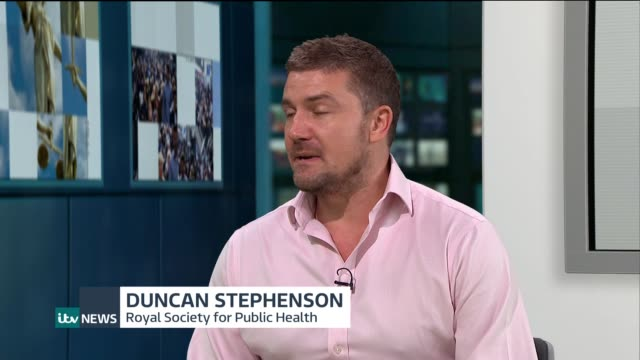 'scroll free' campaign urges people to give up social media for a month england london gir int duncan stephenson live studio interview sot - übersichtsreport stock-videos und b-roll-filmmaterial