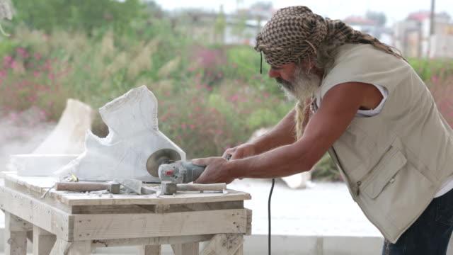vídeos y material grabado en eventos de stock de escultor - estilo de música