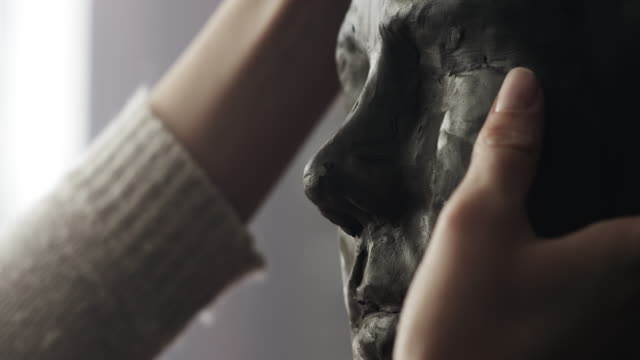 vidéos et rushes de sculpteur - sculpture production artistique