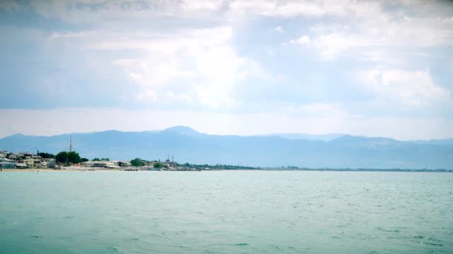 vidéos et rushes de 4k: mer et nuage-vidéo stock - grognon