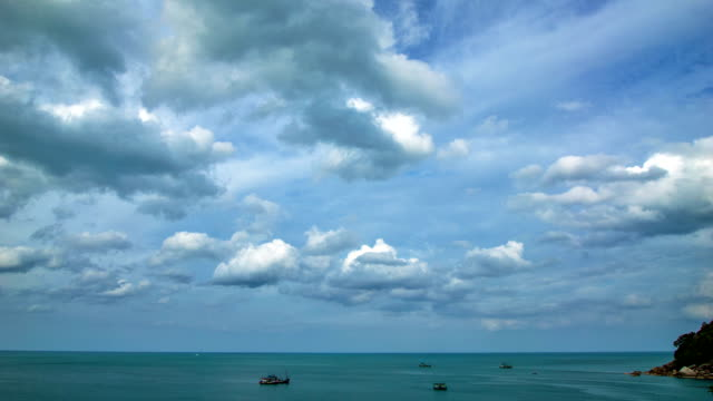 sea and cloud timelapse - horizon stock videos & royalty-free footage