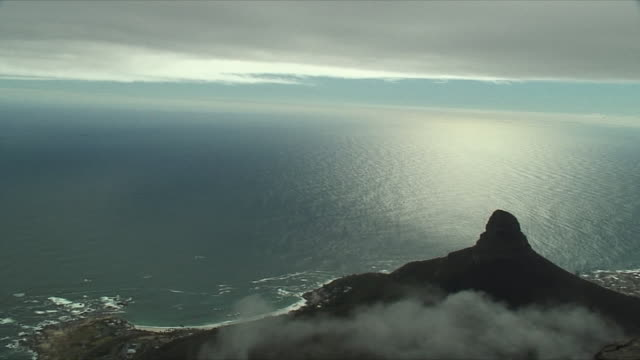 ws ha pan sea and lion's head mountain from table mountain / cape town, south africa - lion's head mountain stock videos and b-roll footage