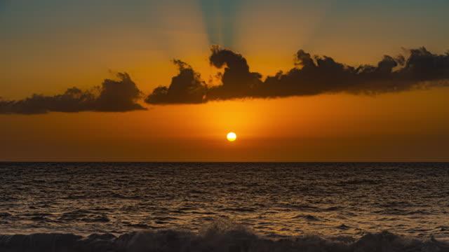 夕暮れ時のws t/l海 / ラ・パルマ、 カナリア諸島、スペイン - ハイパーラプス点の映像素材/bロール