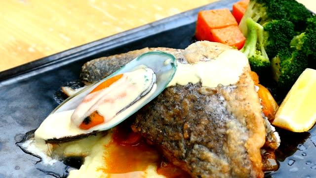 Havsabborre och mussla biff