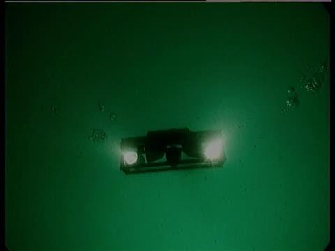 sea bed camera scanning sea bed. hurd deep, uk territorial waters, - 水中カメラ点の映像素材/bロール