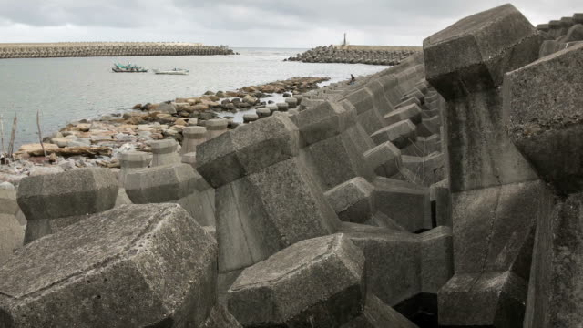 sea breakwater