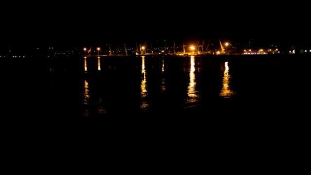 vídeos y material grabado en eventos de stock de mar, el puerto de noche - bahía