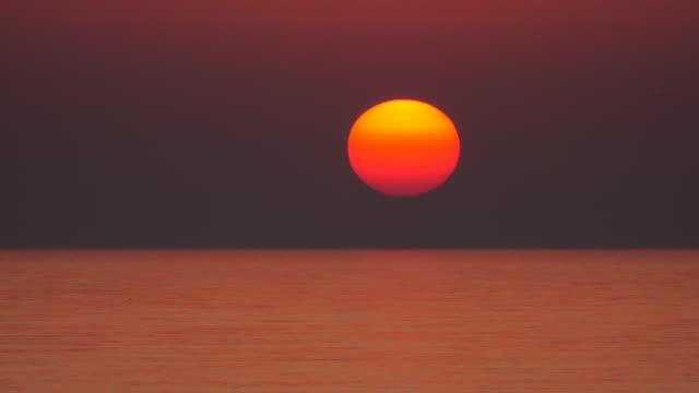 Sea sunset - time lapse