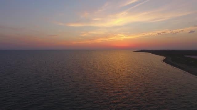 航空写真: 海面サンセット - クワッドコプター点の映像素材/bロール