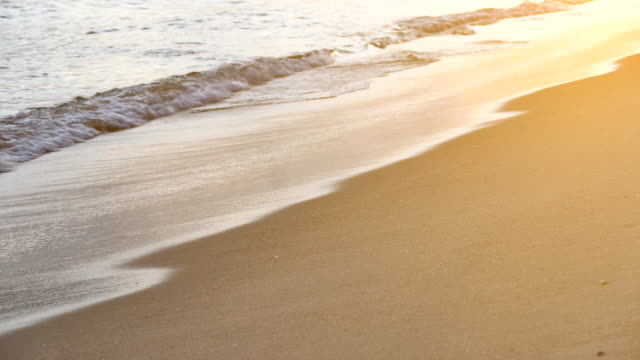 vídeos de stock, filmes e b-roll de onda do mar de antalya - cena de tranquilidade