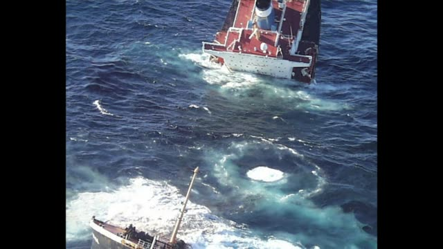 seamen go on trial tuesday over the sinking of the prestige petrol tanker which spilt a devastating oil slick when it sank off spain in 2002 with... - fossiler brennstoff stock-videos und b-roll-filmmaterial
