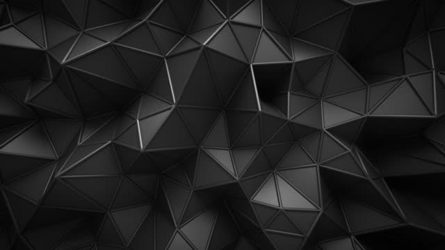 nahtlose schleife. schwarzer digitaler technologischer hintergrund mit niedriger polyform. 3d abstrakte illustration. - low poly modelling stock-videos und b-roll-filmmaterial