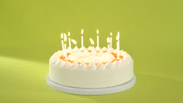 seamless loop tart with candles - birthday candle stock videos & royalty-free footage