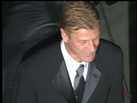 sean bean at the 74th academy awards at mortons, west hollywood. - 74th annual academy awards stock videos & royalty-free footage