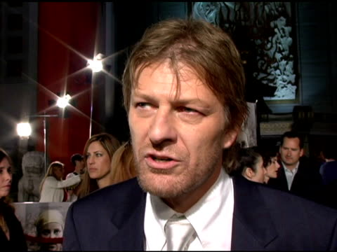 vidéos et rushes de sean bean on his character 'kyle' working with the other cast members raising the bar in his own acting and on the intensity of the set at the 'north... - sean bean
