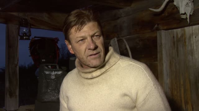 vidéos et rushes de sean bean on ian fleming's involvement on how he created the commandos on how secretive the operations were at the age of heroes set visit at... - sean bean