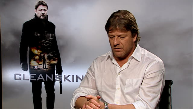 vidéos et rushes de sean bean on what attracts him to the movie at cleanskin interviewslondon uk on march 2nd 2012 - sean bean