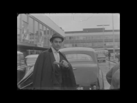 sean connery arrives back at lap; england: london: lap: sean connery down steps of plane: along l-r neg: 16mm: brenards: 14 secs: 9 ft: tx.... - sean connery stock videos & royalty-free footage