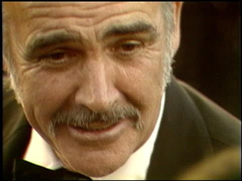 vidéos et rushes de sean connery at the 1989 academy awards at the shrine auditorium in los angeles, california on march 29, 1989. - 61e cérémonie des oscars
