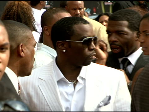 sean 'p diddy' combs at the 2006 bet awards arrivals at the shrine auditorium in los angeles, california on june 27, 2006. - bet awards bildbanksvideor och videomaterial från bakom kulisserna