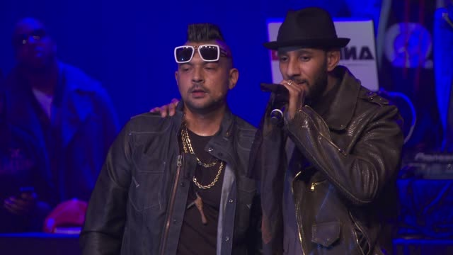 performance sean paul and swizz beats at the vh1 save the music foundation's songwriter music series with swizz beats at hard rock cafe times square... - hard rock cafe stock videos & royalty-free footage