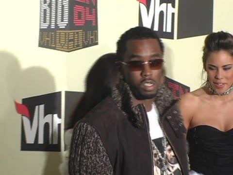 sean pdiddy combs at the vh1 big in 04 arrivals at the shrine auditorium in los angeles california - vh1 stock-videos und b-roll-filmmaterial