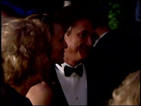 sean penn at the 2004 academy awards ballroom at the kodak theatre in hollywood california on february 29 2004 - 76th annual academy awards stock videos & royalty-free footage