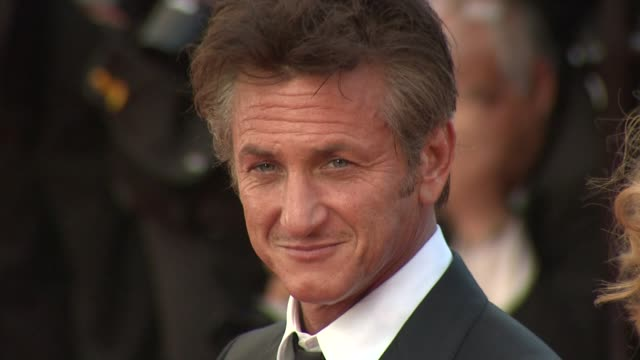 sean penn at the the tree of life premiere: 64th cannes film festival at cannes . - ショーン・ペン点の映像素材/bロール