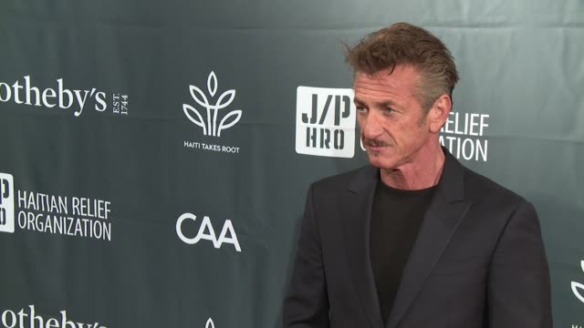 vídeos y material grabado en eventos de stock de clean – sean penn friends haiti takes root benefit dinner auction supporting j/p haitian relief organization at sotheby's on may 05 2017 in new york... - sean penn
