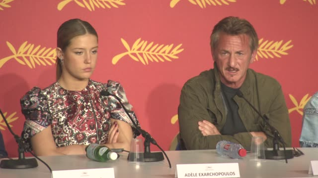 interview sean penn on working with charlize theron and with javier bardem at 'the last face' press conference at grand theatre lumiere on may 20... - javier bardem stock-videos und b-roll-filmmaterial