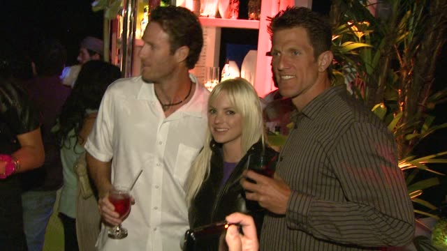 sean scott anna faris john hyden at the anna faris hosts the malibu _ and reef check partnership event at beverly hills ca - anna faris stock videos and b-roll footage