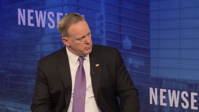 sean spicer at the newseum - part 5 of 6 topics ranged from covering the trump white house, president trump's use of twitter, the future of news in a... - msnbc stock videos & royalty-free footage