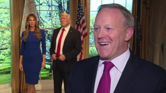 vídeos de stock e filmes b-roll de interview sean spicer on his new book release at the madame tussauds® new york launches give melania a voice experience at madame tussauds on april... - madame tussauds
