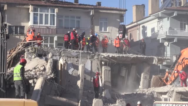 search and rescue efforts are underway after a deadly earthquake in turkey's eastern elazig province on january 26, 2020. the death toll from... - anstrengung stock-videos und b-roll-filmmaterial