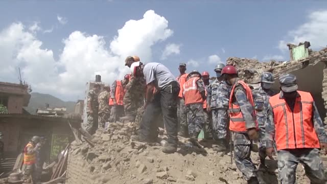 search and rescue operations continue as people look for their belongings among the debris of their destroyed houses after deadly earthquake in... - rubble stock videos & royalty-free footage