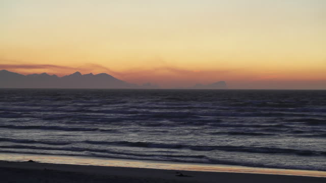 ws seascape at sunset / cape town, western cape, south africa - hd format stock videos & royalty-free footage