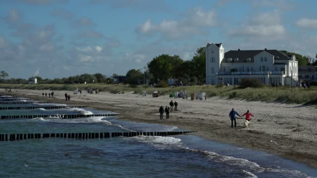 seaside resort of heiligendamm, baltic sea, mecklenburg-western pomerania, germany, europe - 沿岸点の映像素材/bロール