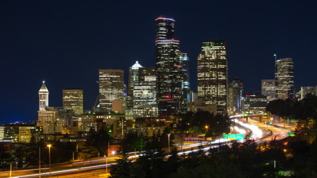 seattle bei nacht - seattle stock-videos und b-roll-filmmaterial