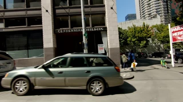 stockvideo's en b-roll-footage met seattle city xxvi gesynchroniseerde serie rechts weergave rijproces plaat - auto interieur