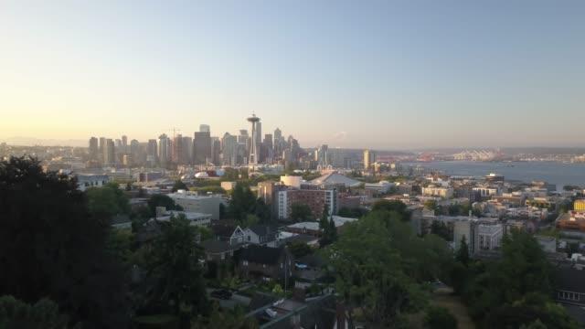 vidéos et rushes de seattle mid town in morning - téléviseur ultra haute définition
