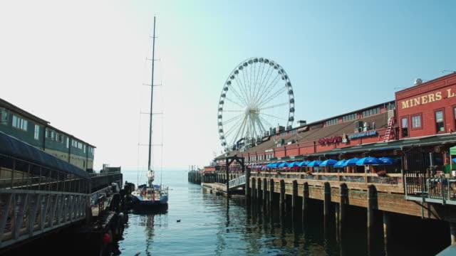 seattle piers and great wheel - bar点の映像素材/bロール
