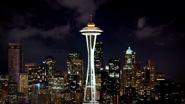 seattle skyline bei nacht - seattle stock-videos und b-roll-filmmaterial