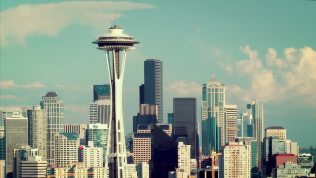 seattle skyline time lapse - space needle stock videos & royalty-free footage