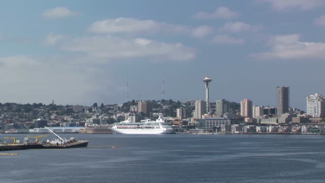 ws, seattle skyline with puget sound in foreground, seattle, washington, usa - puget sound stock videos & royalty-free footage