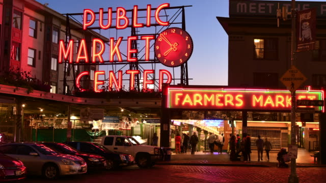 seattle's pike place market, evening time-lapse - pike place market stock videos and b-roll footage