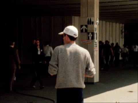vídeos de stock, filmes e b-roll de sebastian coe interview before 1500 metres race; soviet union : moscow: ext sebastian coe sitting in chair chatting and laughing zoom in steve ovett... - sebastian coe