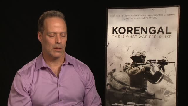 vídeos y material grabado en eventos de stock de interview sebastian junger on the film being bittersweet because of tim hetherington at the 'korengal' los angeles press junket at the four seasons... - korengal tal