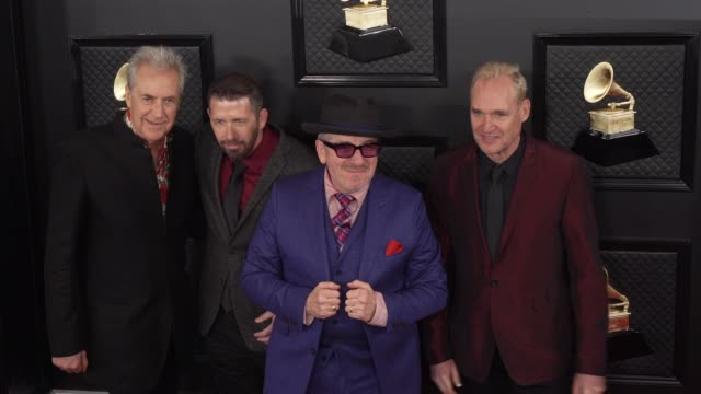 sebastian krys, davey faragher, elvis costello, and pete thomas at the 62nd annual grammy awards - arrivals at staples center on january 26, 2020 in... - elvis costello stock-videos und b-roll-filmmaterial